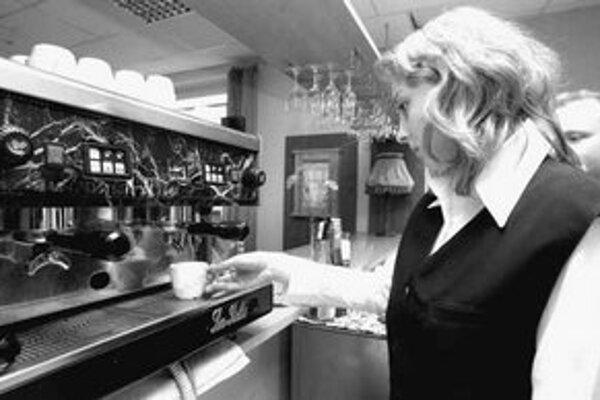 Ani niektoré reštaurácie na východe Slovenska nemajú koho zamestnať.