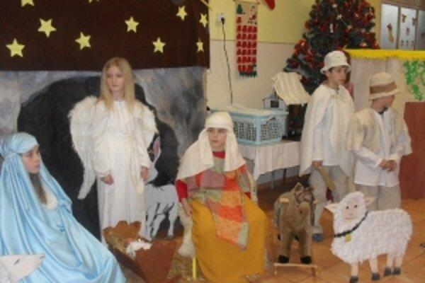 Vianočný príbeh v podaní žiakov I. ZŠ v Senici.