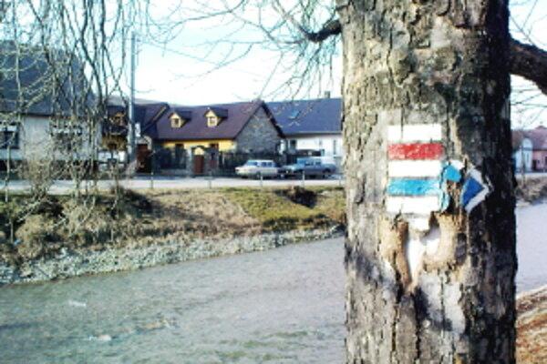 Turistické značenie v Sobotišti.