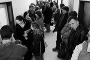 Tento rok môže byť posledným, keď sa niektorí nezamestnaní musia na úrade práce hlásiť každý týždeň alebo dva týždne.