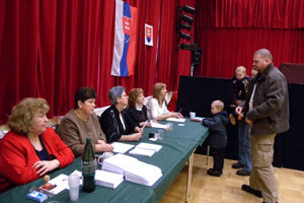 V Lozorne musia rozhodnúť voliči.