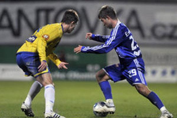 Samir Merzič z Bosny a Hercegoviny ešte v drese Teplíc (vľavo).