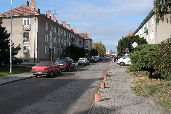 Obyvatelia ulice často nemôžu ani vetrať, zápach je neznesiteľný.