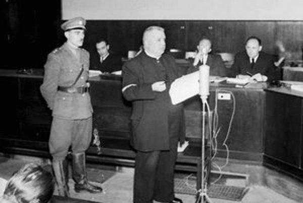 Jozef Tiso počas hlavného pojednávania pred Národným súdom. Proces trval takmer štyri mesiace.