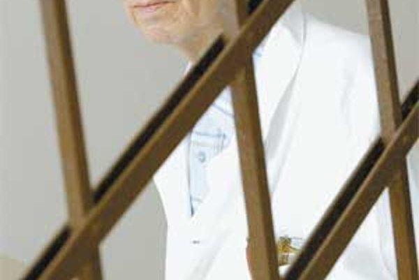 Ivan Žucha (1935) - profesor na Psychiatrickej klinike Fakultnej nemocnice a Lekárskej fakulty Univerzity Komenského v Bratislave. Okrem odborných publikácií z psychiatrie, psychoterapie a klinickej psychofyziológie časopisecky publikuje básne a eseje. Je