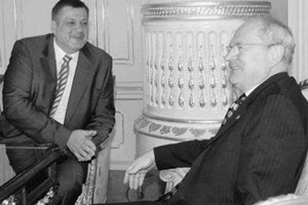 Minister zahraničia Kubiš a prezident Gašparovič sa dohodli na menách veľvyslancov.