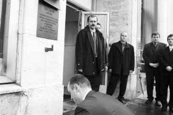 """Minister vnútra Českej republiky Ivan Langer sa chce inšpirovať návštevou Ústavu pamäti národa. """"U nás takáto inštitúcia doteraz nie je,"""" povedal Langer."""
