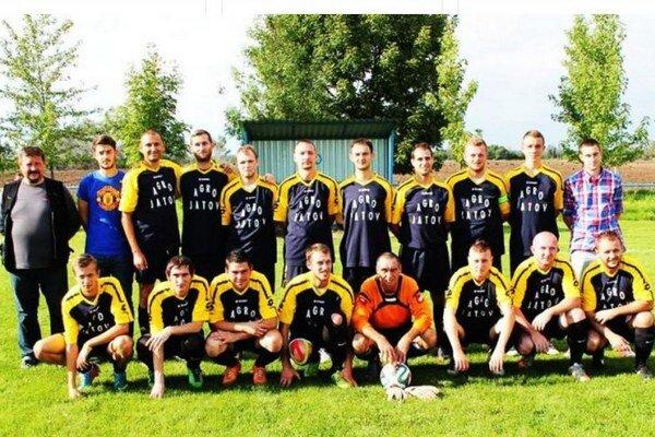 Futbalisti FK Jatov majú za sebou úspešnú sezónu. V najnižšej okresnej súťaži dosiahli svoje najlepšie umiestnenie za posledné roky.