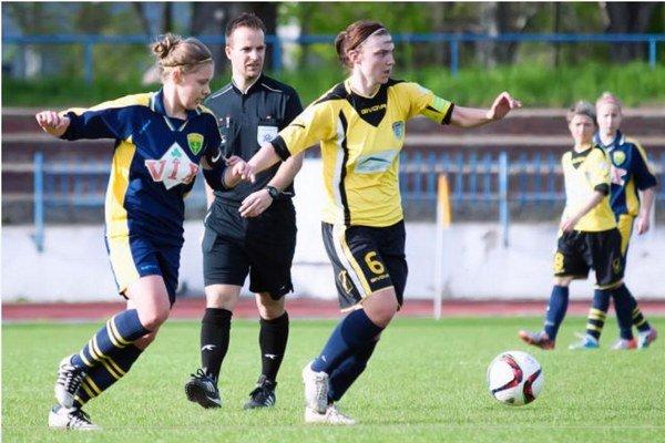 Kapitánka FC Union Hana Korytárová (6) sa v sobotňajšom zápase proti H. Nitre prezentovala pekným gólom.