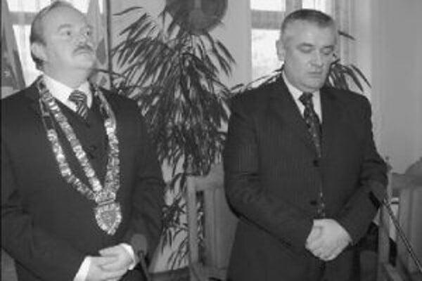 Novému primátorovi Žiliny Ivanovi Harmanovi mestskí poslanci schválili nižší plat ako mal jeho predchodca Ján Slota.