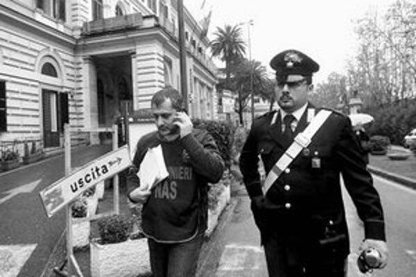 Talianske nemocnice kontrolujú jednotky karabinierov.