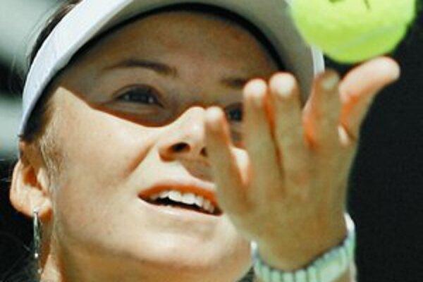Daniela Hantuchová musela proti Američanke Ashley Harkleroadovej riadne zabojovať, aby sa mohla tešiť z víťazstva 6:7, 7:5, 6:3.