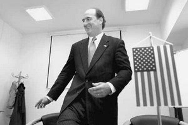 Americký veľvyslanec Rudolphe M. Vallee verí, že Fico podporí bulharské sestričky v Líbyi.