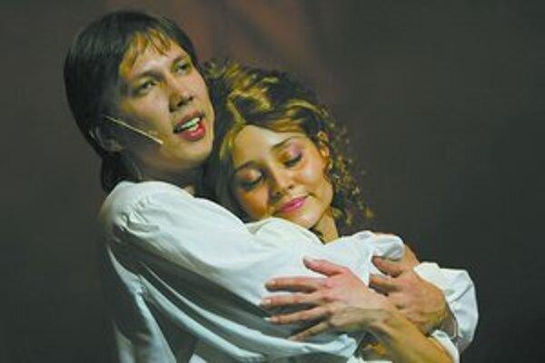 Divadelný krst Petra Cmorika nebol ľahký.
