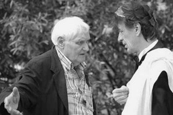 Klasik Miklós Jancsó (vľavo) ešte stále nakrúca.