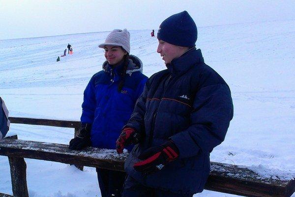 Svah v Čechách je pod snehom.