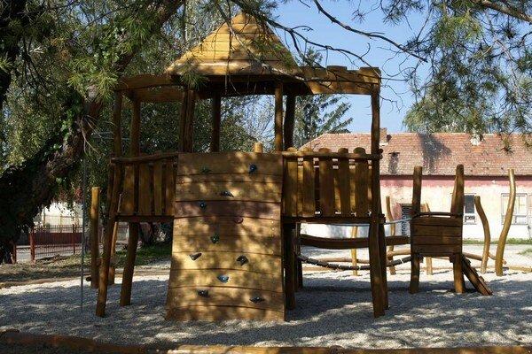 Nové detské ihrisko.