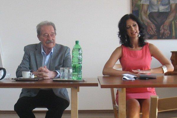 Autorské čítanie s Tomášom Janovicom.