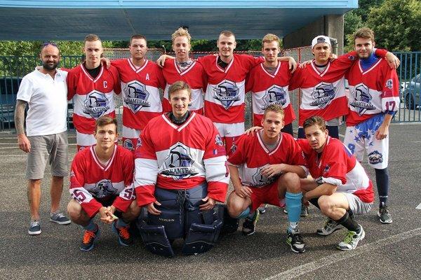 Dream team Nitra vyhral turnaj kategórie U20, vo finále rozhodli nájazdy.