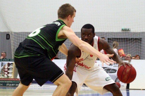 Basketbalisti MBK v sobotu Handlovčanom nedovolili takmer nič a poslali ich domov s dvadsaťbodovou nádielkou.