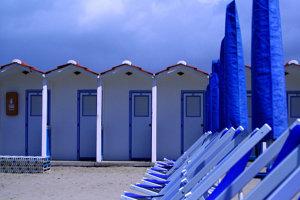 Pláže v Toskánsku sú už pripravené na leto.