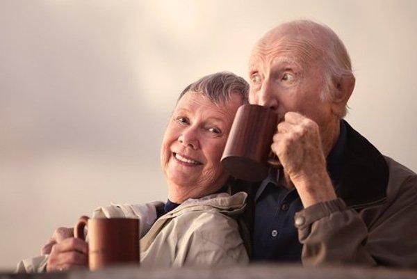 Skôr než si odpijete z kávy, mali by ste ju nechať vychladnúť pod 65 stupňov Celzia.