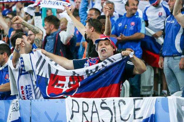 Na futbal zavítali ľudia z rôznych kútov Slovenska.