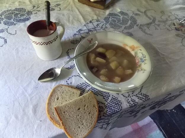 Fazuľovo - kapustová polievka.