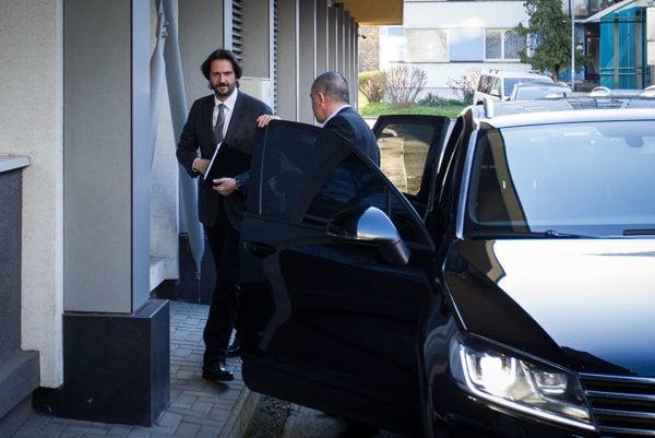 21. marec 2016: Robert Kaliňák prichádza na rokovanie predsedníctva strany Smer.
