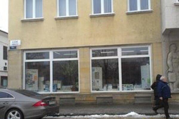 V tento časti knižnice radí M. Nagyová.