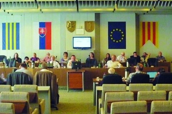 Zasadnutie mestského zastupiteľstva prinieslo opäť viacero zaujímavých situácií.