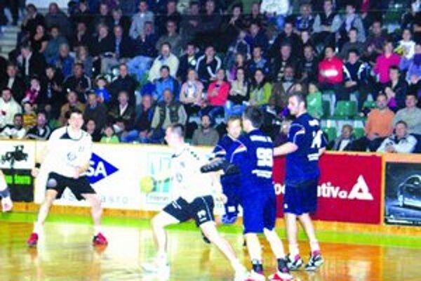 Prvý zápas proti Považskej vyhrali.
