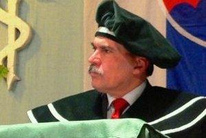 B. Rudinský je aj akademickým funkcionárom Inštitútu zdravotníctva a sociálnej práce sv. Ladislava Vysokej školy zdravotníctva a sociálnej práce sv. Alžbety.