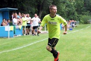 Víťazom turnaja sa stali hráči Žitaviec. Na snímke radosť Jakuba Vasarába, ktorý strelil gól v oboch zápasoch svojho tímu.