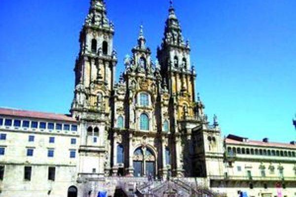 Bazilika. Stavba z roku 1100.