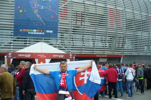 Radomír Kyseľ pred štadiónom v Lille