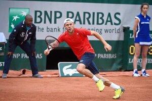 Moldavský tenista zvládol duel lepšie a môže sa tešiť na účasť v hlavnej súťaži.