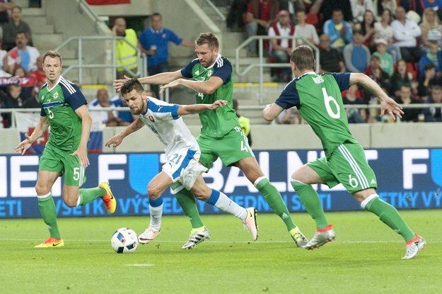 Pred turnajom hrali so Slovenskom. Severní Íri zabojujú o štvrťfinále.