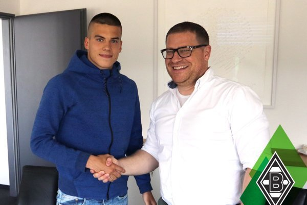 Osemnásťročný Lászlo Bénes prestúpil zo Žiliny do Borussie Mönchengladbach za asi šesť miliónov eur.