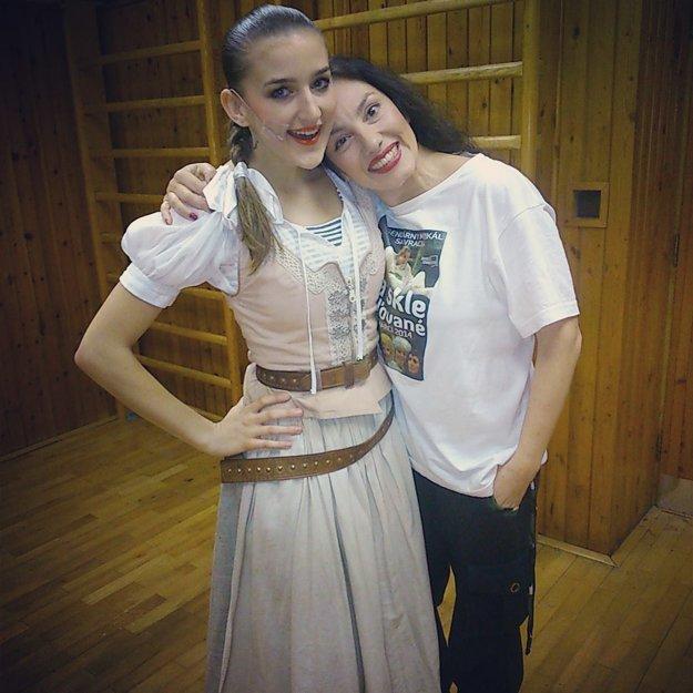 V muzikáli Na skle maľované hrá Barbora (vľavo) aj s Katarínou Hasprovou.
