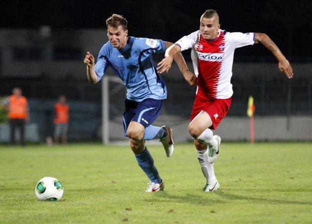 Bývalý hráč Nitry a Ružomberka Martin Boszorád (vľavo) je kandidátom na dres FC ViOn Zlaté Moravce - Vráble.