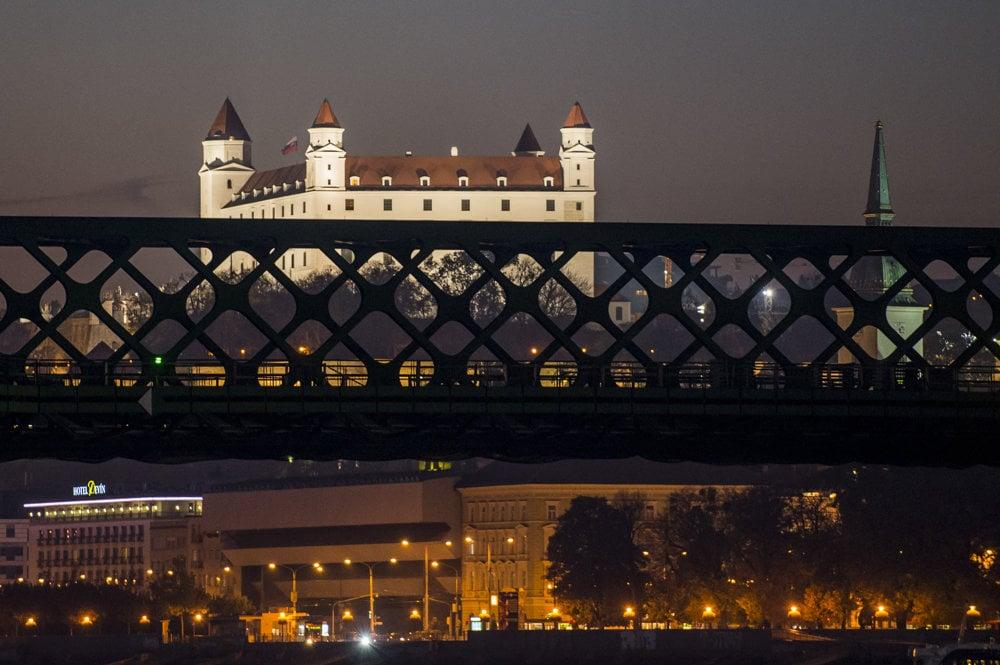 Dunaj privádza na Slovensko mnoho turistov z celého sveta.