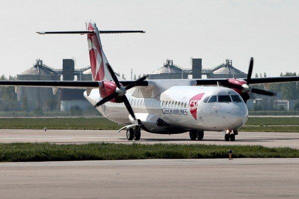 Investičná spoločnosť CEFC kupuje takmer polovicu leteckej firmy Travel Service. Tým zároveň získava aj podiel v Českých aerolíniách (ČSA).