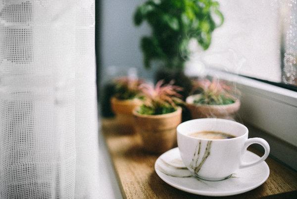 Počas akcie môžete zaplatiť za kávu básňou.
