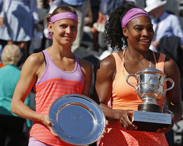 Vlani Šafářová (vľavo) neuspela vo finále Roland Garros.