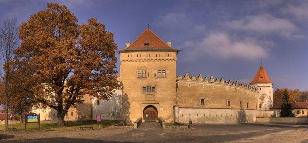 Kežmarský hrad sa nachádza priamo v centre mesta
