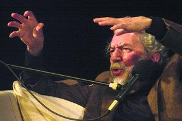 Alain Robbe-Grillet na pražskom Festivale spisovateľov v roku 2002.