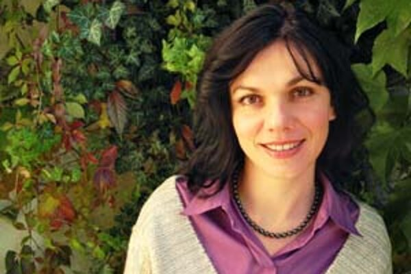 Denisa Fulmeková (1967), autorka kníh Tak čo teda?, Dve čiarky nádeje a spoluautorka Klebetrománu.