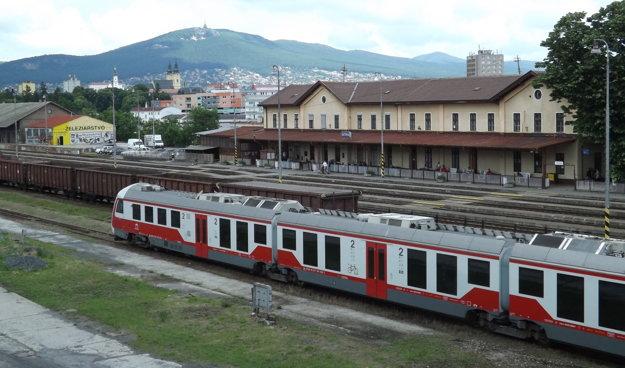 Železničná stanica podľa ŽSR nevyhovuje súčasným kritériám.