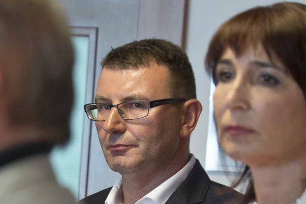 Na snímke prezident Finančnej správy SR František Imrecze a predsedníčka Úradu pre dohľad nad zdravotnou starostlivosťou Monika Pažinková.